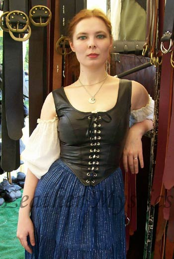 Leda Locke proving just how GOOD our leather bodices look!!